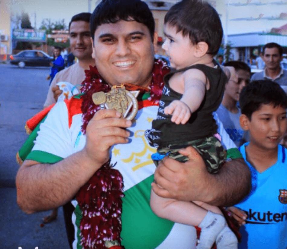 Таджикский силач Махмадсолех Салимов: «Выиграть золото Кубка мира – это и радость, и гордость»