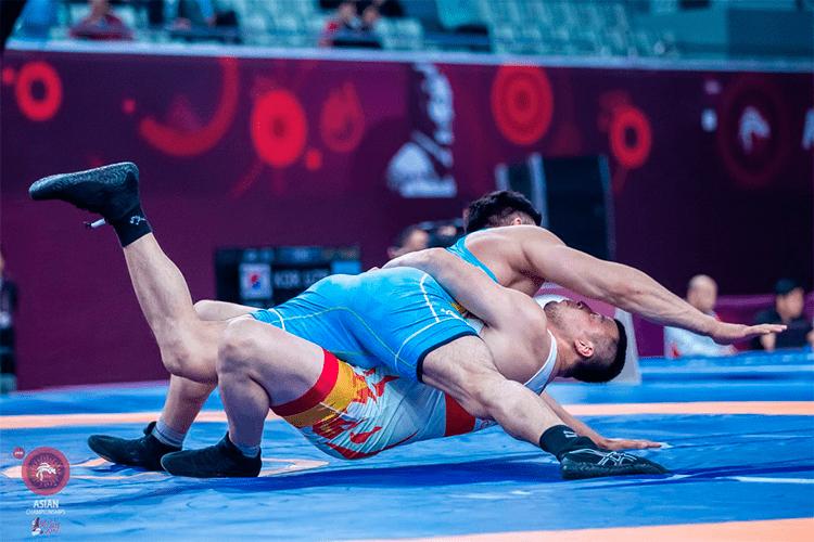 Снова без наград: таджикские борцы остались без медалей в Китае