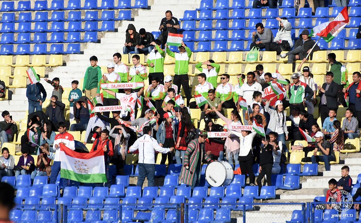 Договорняки? Таджикские болельщики раскритиковали АФК