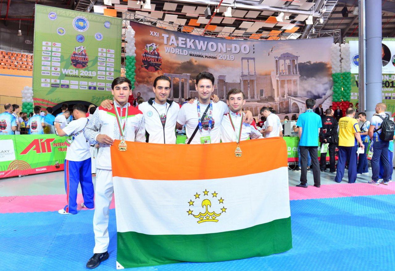 Девять наград таджикских бойцов