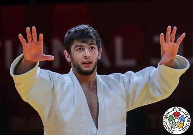 Ходжазода выиграл серебро в Ташкенте