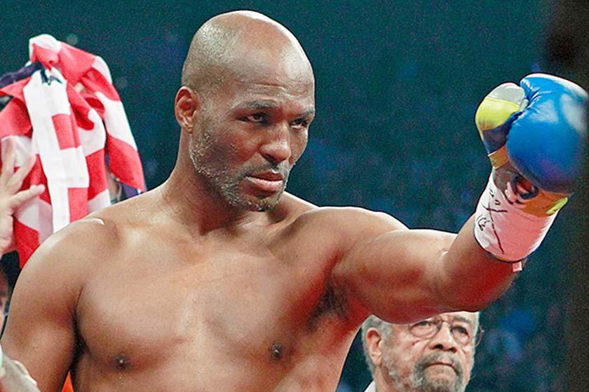 Самый возрастной чемпион мира в истории бокса возобновил карьеру