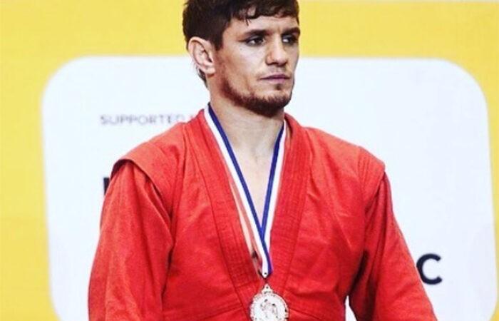 Самбист Хушкадам Хусравов показал, как он тренируется