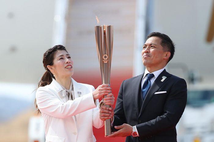 Олимпийский факел погас в первый день эстафеты в Японии
