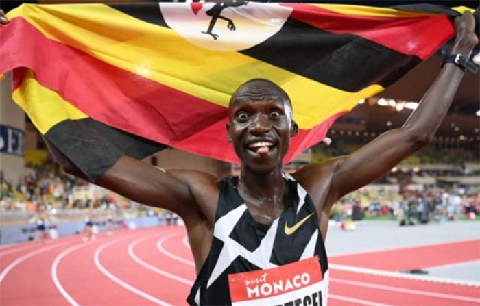 Угандиец установил новый мировой рекорд в беге на 5 000 м