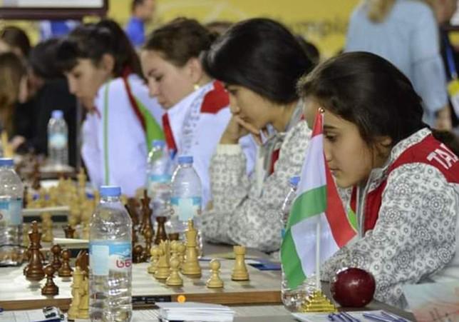 Живые турниры по шахматам умирают…