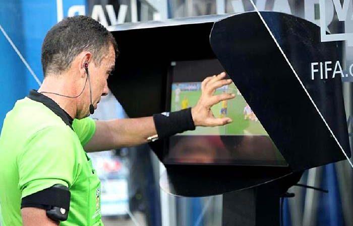 Подробнее о системе определения офсайда: как это делается в современном футболе?
