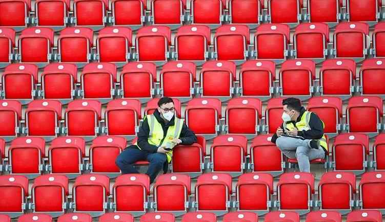 Есть решение: болельщиков допустили на стадионы