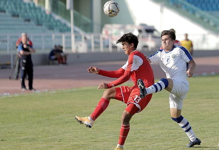 Таджикские юноши оказались сильнее сверстников из Узбекистана