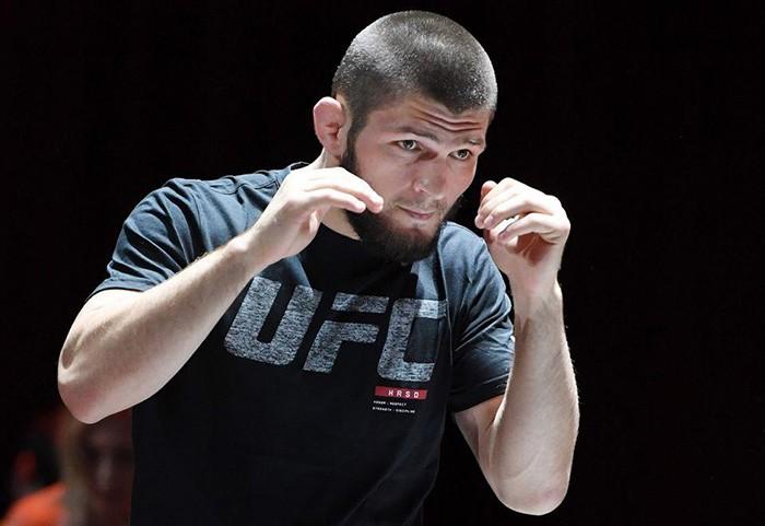 Нурмагомедов показал подготовку к бою с Гэтжи