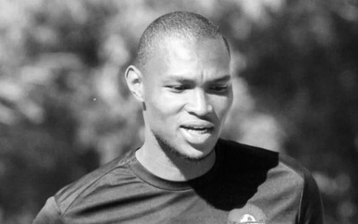 Футболист пожаловался на головокружение и умер