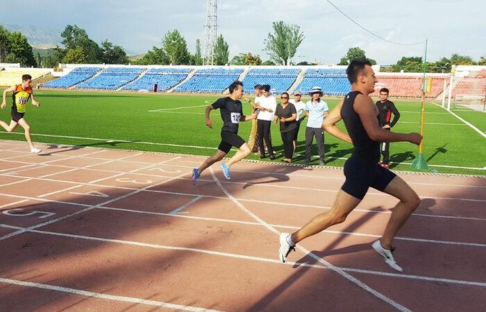 Таджикские легкоатлеты осваивают онлайн-турниры