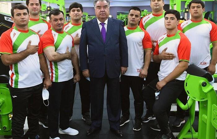 В Душанбе открыт спортклуб Парвиза Собирова