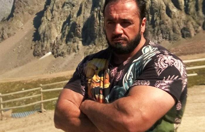 Таджикский силач Толеъ Холназаров в полном порядке!