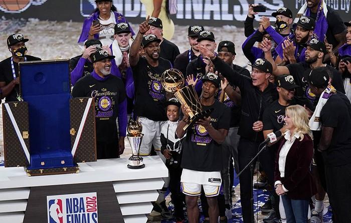 «Лейкерс» в 17-й раз стали чемпионами НБА