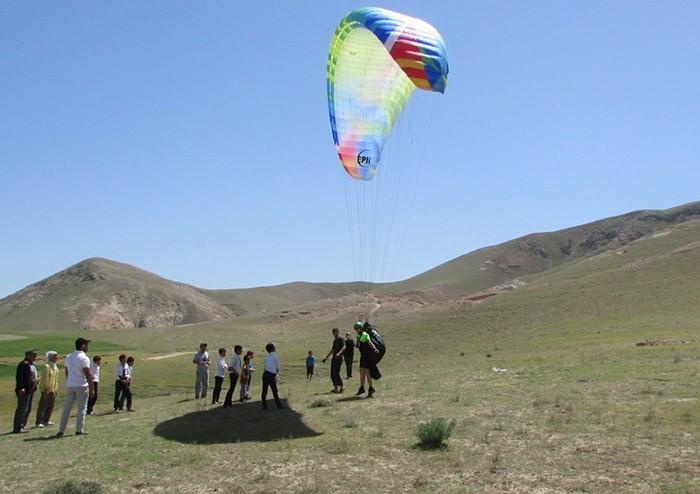 Как и где летают таджикские парапланеристы