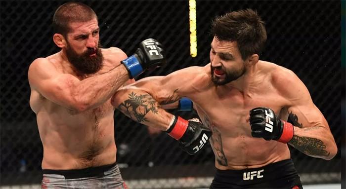 """Сломанный нос и беспощадная """"гильотина"""": как зажгли экс-чемпионы UFC"""