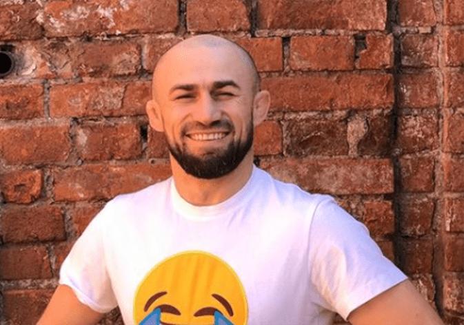 Боец из Дагестана бросил вызов бывшему члену сборной Таджикистана