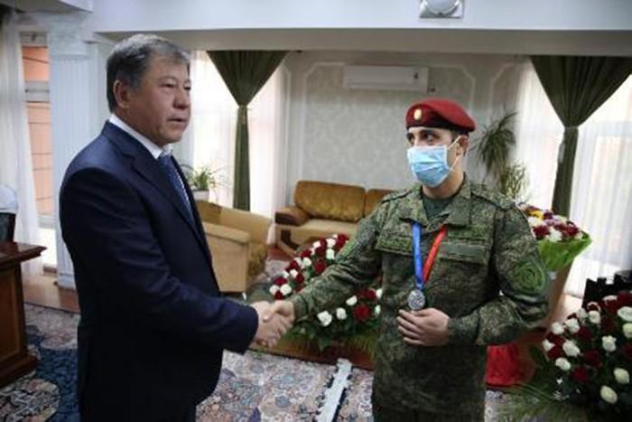 Лейтенант Акмалиддин Каримов аз чемпионати ҷаҳон ба Ватан баргашт