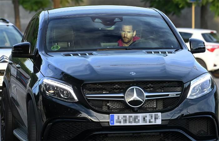 СМИ рассказали, как футболисты экономят на автомобилях