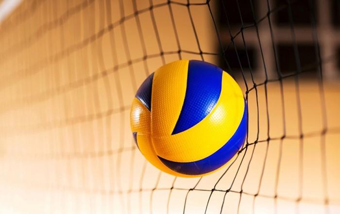 Узбекский кладовщик украл 1500 волейбольных мячей