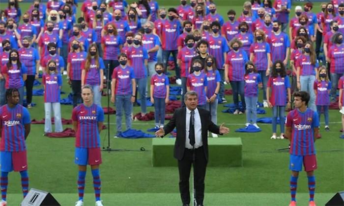 Первый футболист за миллиард! Он играет в «Барселоне»
