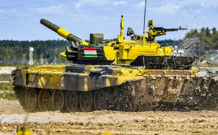 Таджикские танкисты отличились скоростью