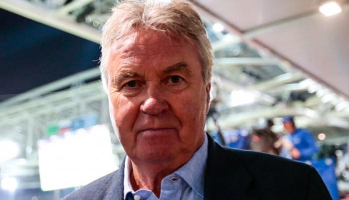74-летний Гус Хиддинк завершил тренерскую карьеру