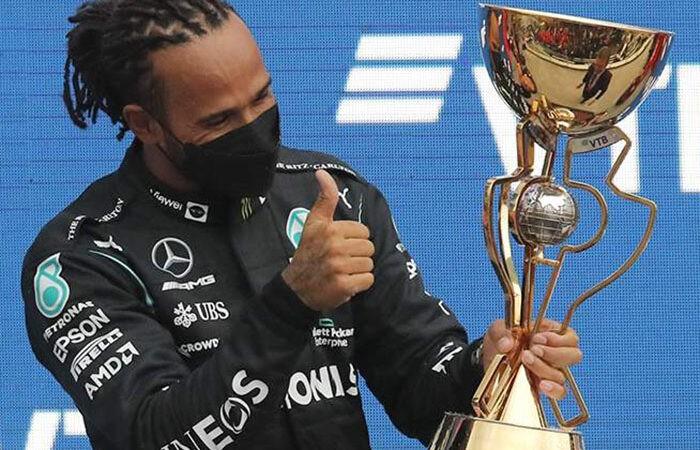 Хэмилтон одержал 100-ю победу в «Формуле-1» в карьере