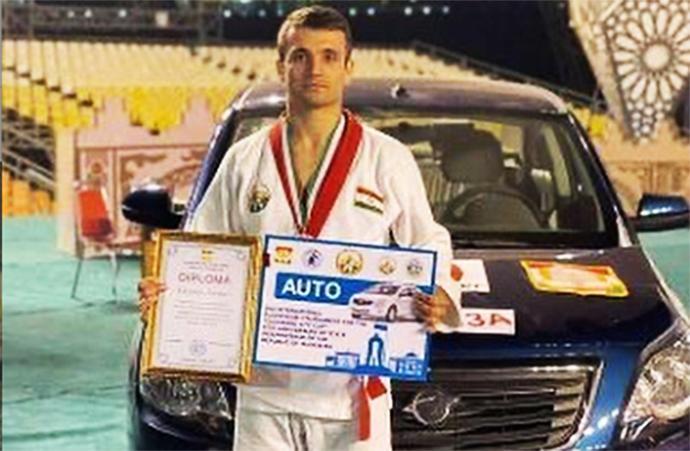 Победители турнира в Душанбе получили автомобили