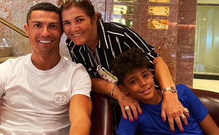 Роналду довел свою маму до слез на трибунах
