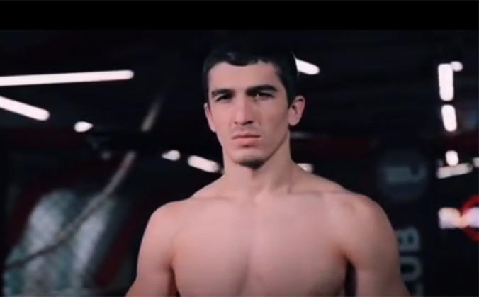 Самандар Муродов одной рукой выиграл титул (видео)