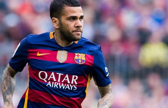 Дани Алвес хочет вернуться в «Барселону»