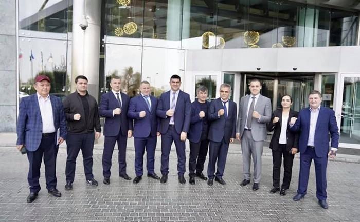 Президент AIBA Умар Кремлёв провел встречу со спортсменами и тренерами